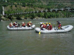 River rafting in Kulu - Navbharat Tours