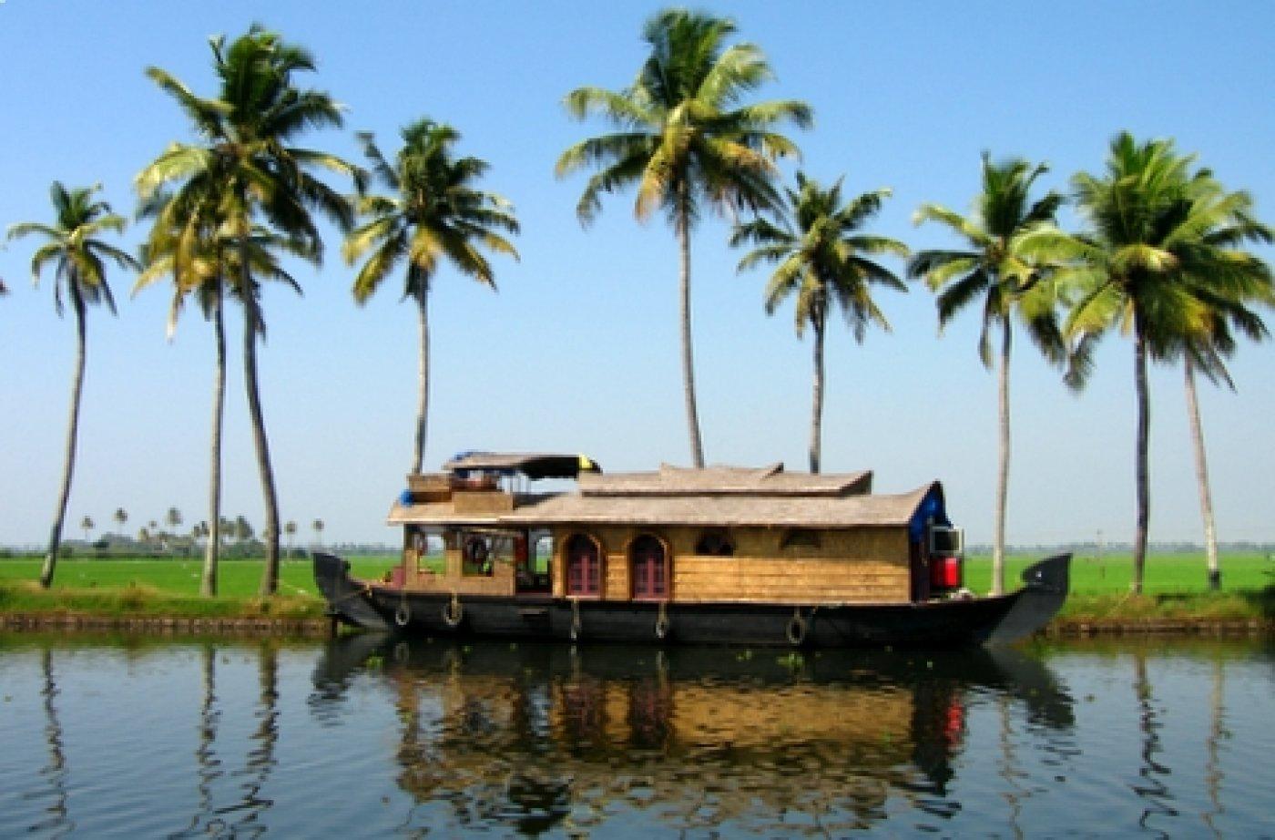 Kerala Boat House - Navbharat Tours